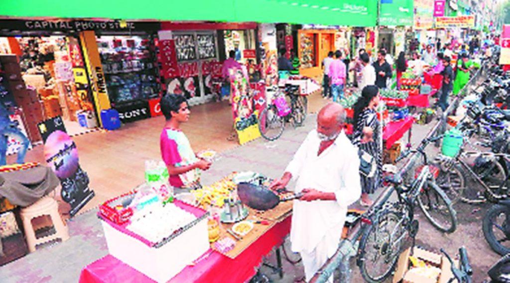 street vendors line up for PM loan scheme